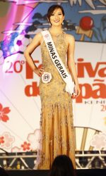 07 - Desfile traje gala - Harumi Amanda Yukawa - Minas Gerais