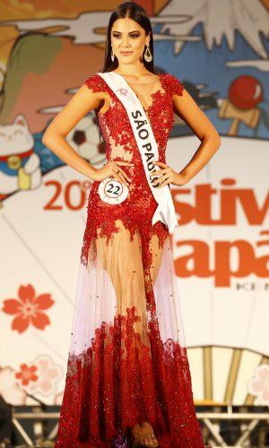 14 - Desfile traje gala - Tatiana Saori Takamoto dos Santos - São Paulo