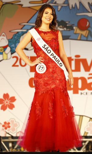 16 - Desfile traje gala - Amanda Kimie Lamera Higa - São Paulo
